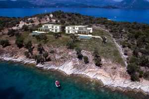 villas, Meganisi, Lefkada, by the sea summer house, pool, private beach